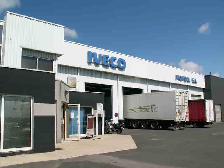 Distributors of trucks